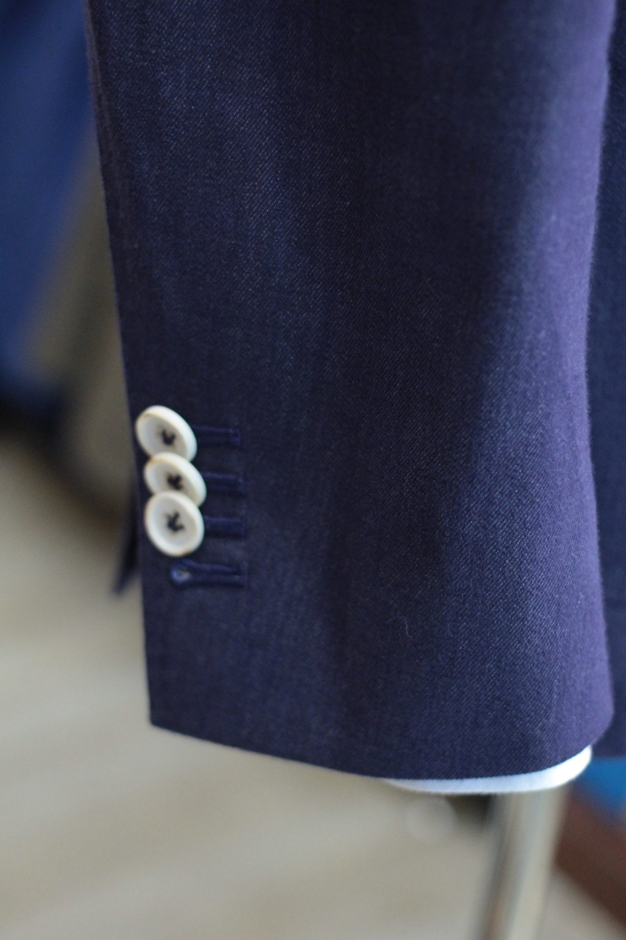 Functional Sleeve buttons with Natural Corozo Button
