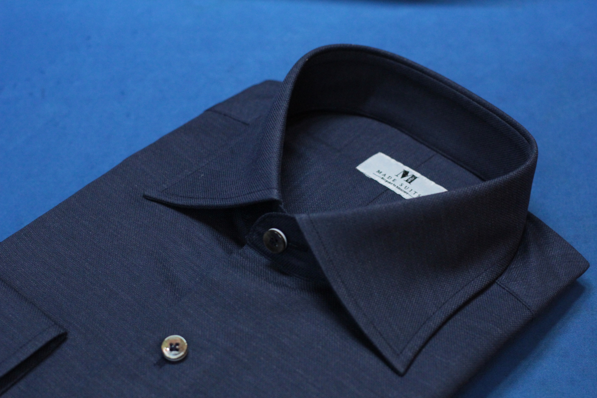navy blue weave | Made Suits | singapore shirts semi spread collar side.JPG