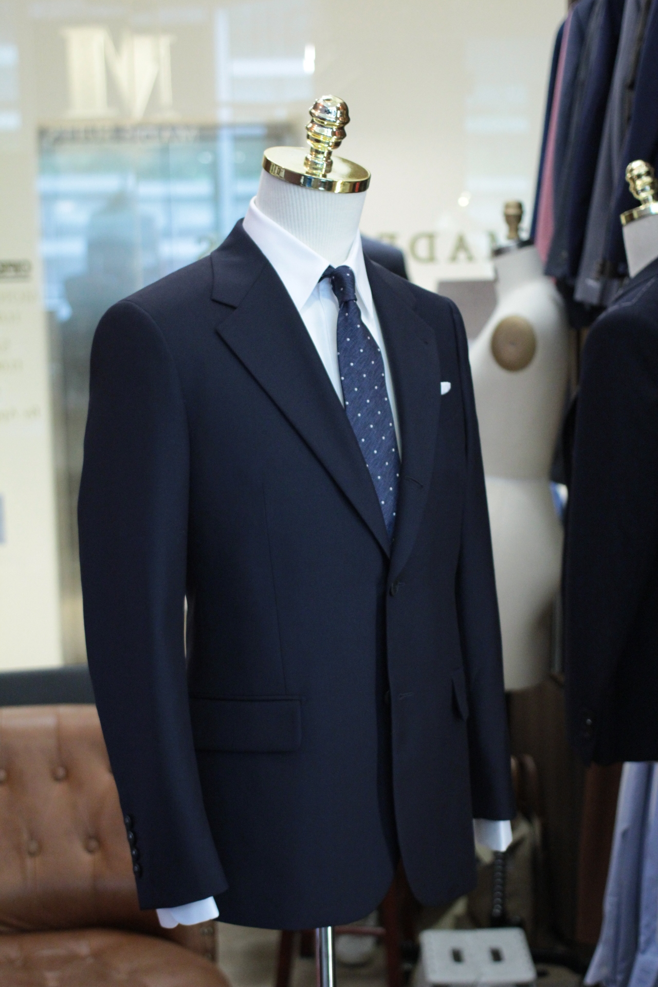 DRAGO BLUE NAVY   TAILOR MADE SUITS   STAPLE   SUPER 130.JPG