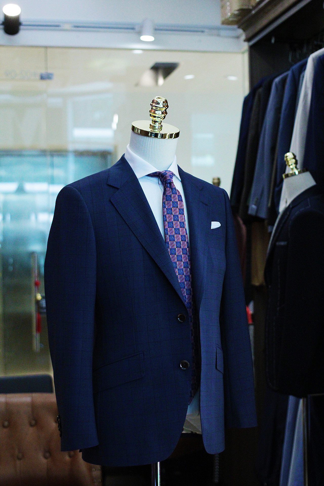 Lins | STYLBIELLA | Single Breasted Suit | Tailor Made Suits Singapore | Bespoke Suits Singapore | Made Suits side.JPG