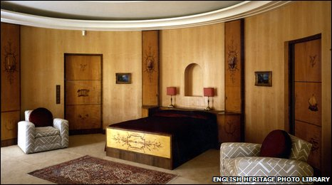 Virginia Courtauld's bedroom at Eltham Palace