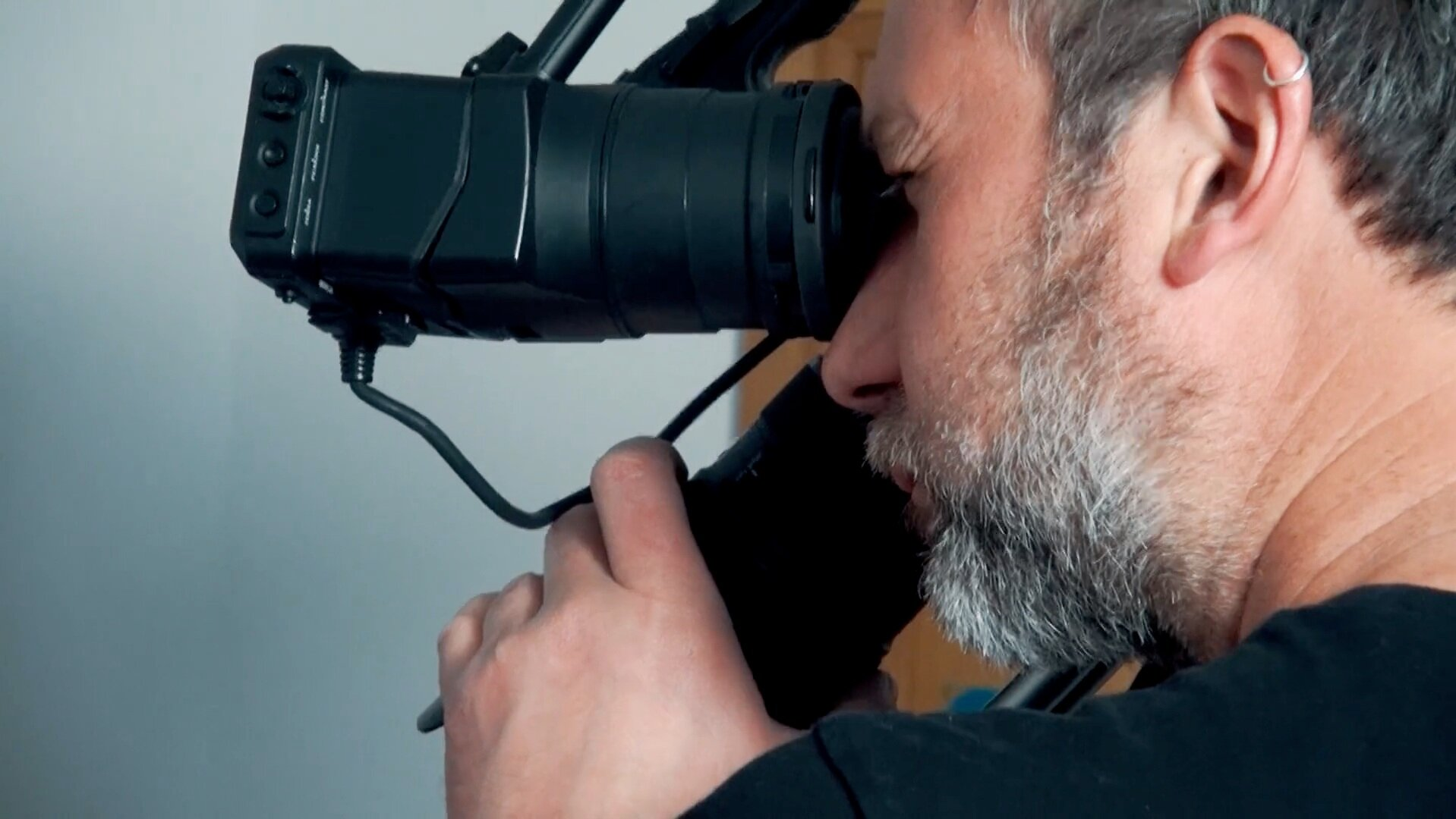 CAMERA OPERATORS - Man and a cam! If all you need is high quality images we'll send you the right person (man or woman) and equipment for the job. Starting from 200 EUR per shoot