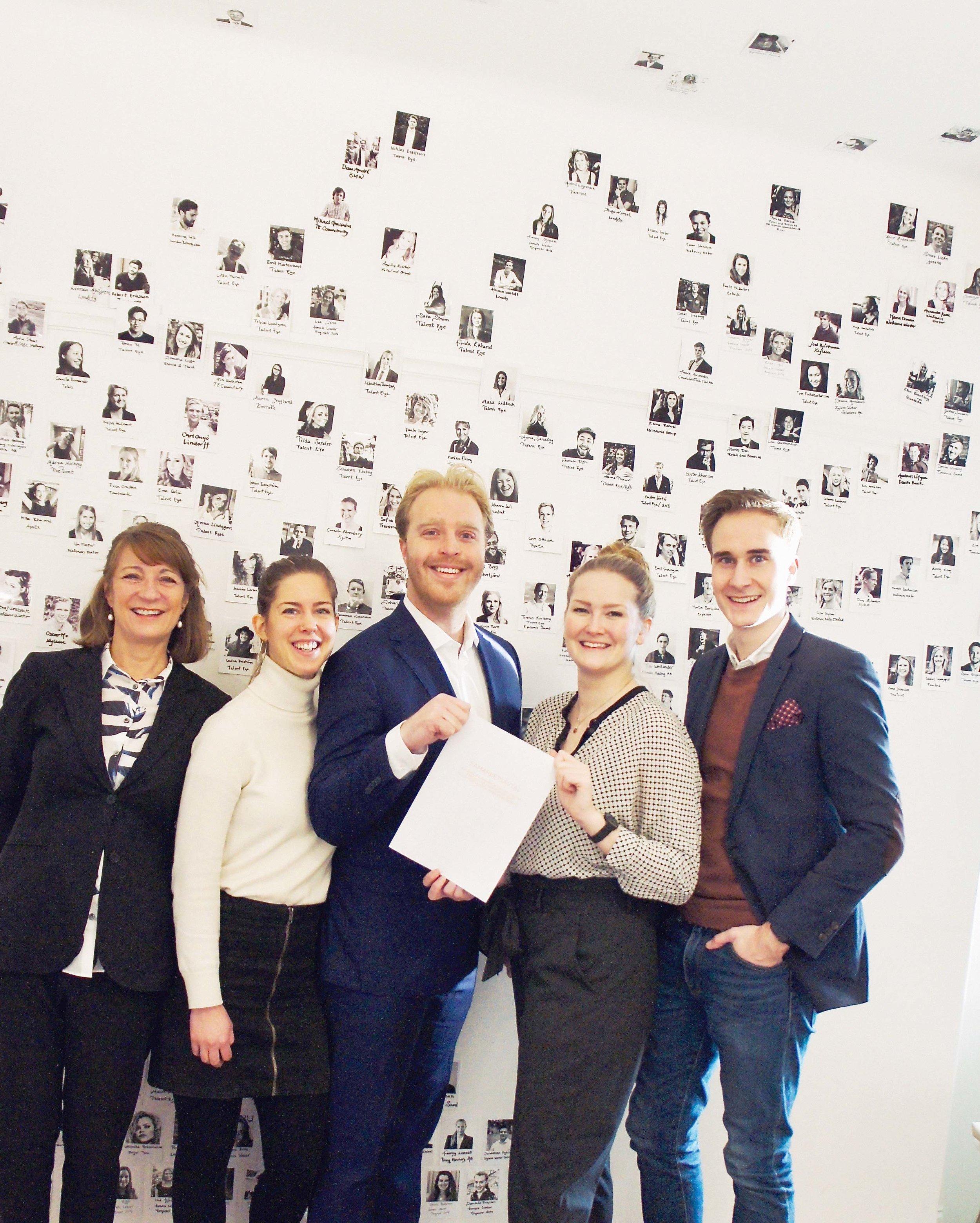 Nu startar vi vårt samarbete! Här Teknikkvinnors VD Maria Norberg med Talent Eyes VD Jesper Johansson, flankerade av Mireille Andersson och Jonathan Gunnarsson, Talent Eye, och med Amanda Malmquist, Teknikkvinnor.