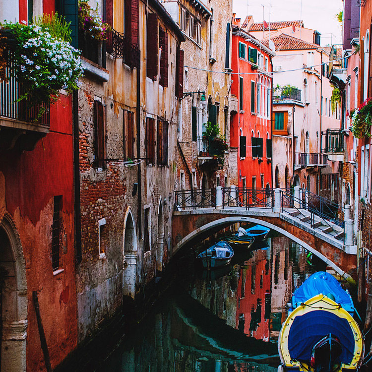 City & Short Breaks - Need to escape for a few days? Why not take a break in the UK, Europe or a little further afield. Theatre, spa and cultural breaks or brush up your cookery or golf? There is something for everyone.