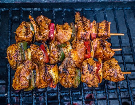 kebab barbecue-2415223__340.jpg