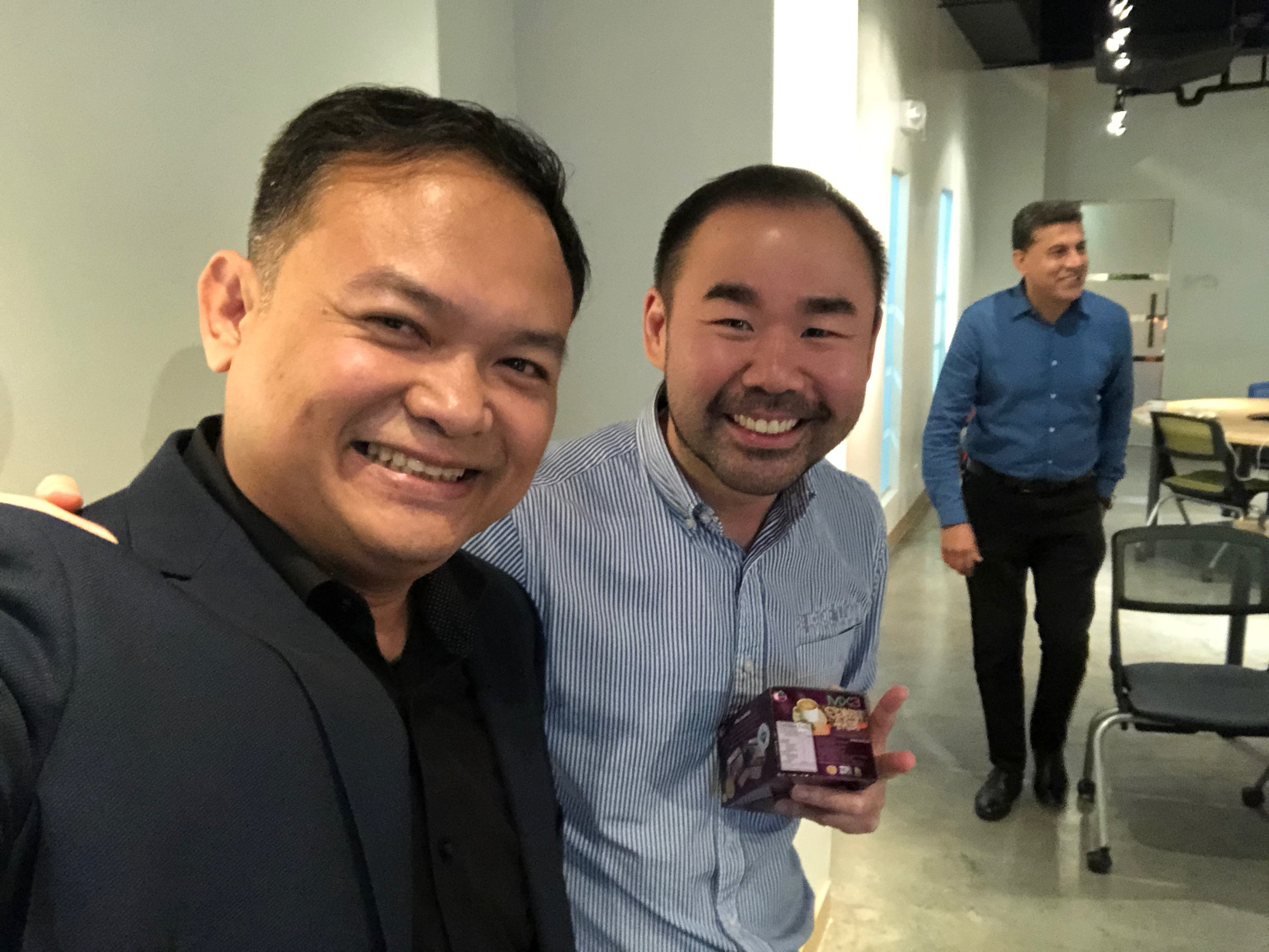 """""""Just want to share that your presentation is fantastic - its engaging and case studies makes it more relevant…Awesome what you do."""" - Carl Dy, Best Selling Author, President, Spectrum Investments. -"""