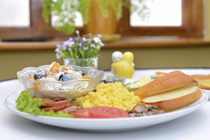 heavy-breakfast1.jpg