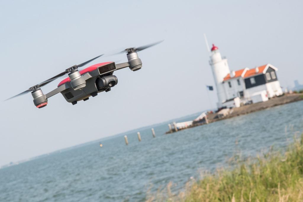 DJI-Spark-Flying.jpg