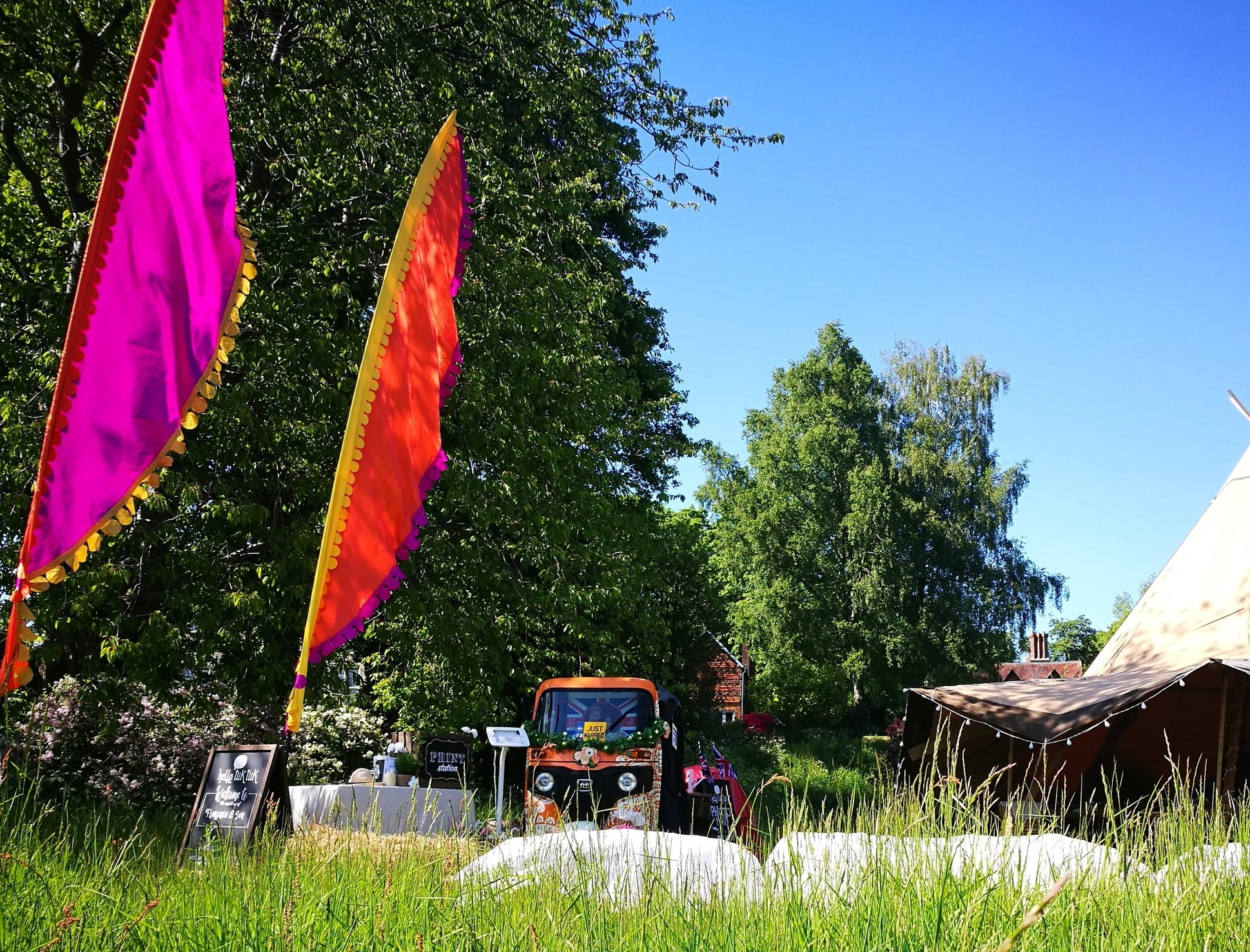 Indian SummerFestival Flags - Add some wow to your booth with our fabulous colour pop festival flags! 5 metres tall and vibrantly coloured to complement any outdoor setting your guests won't be able to miss them!