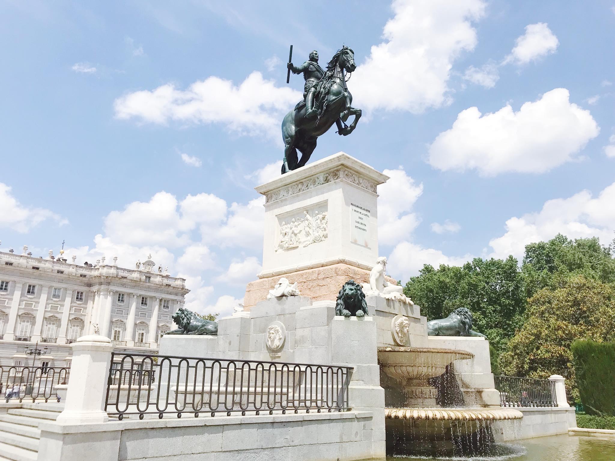 Statue Felipe IV