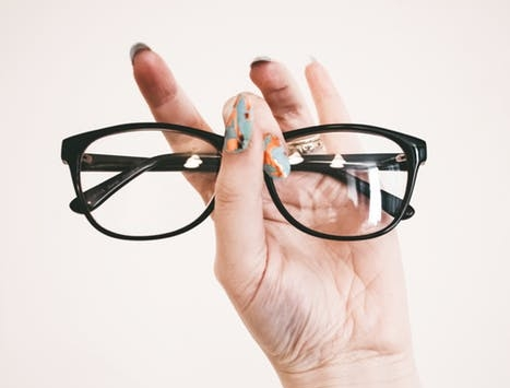 hand.eyeglasses.jpeg