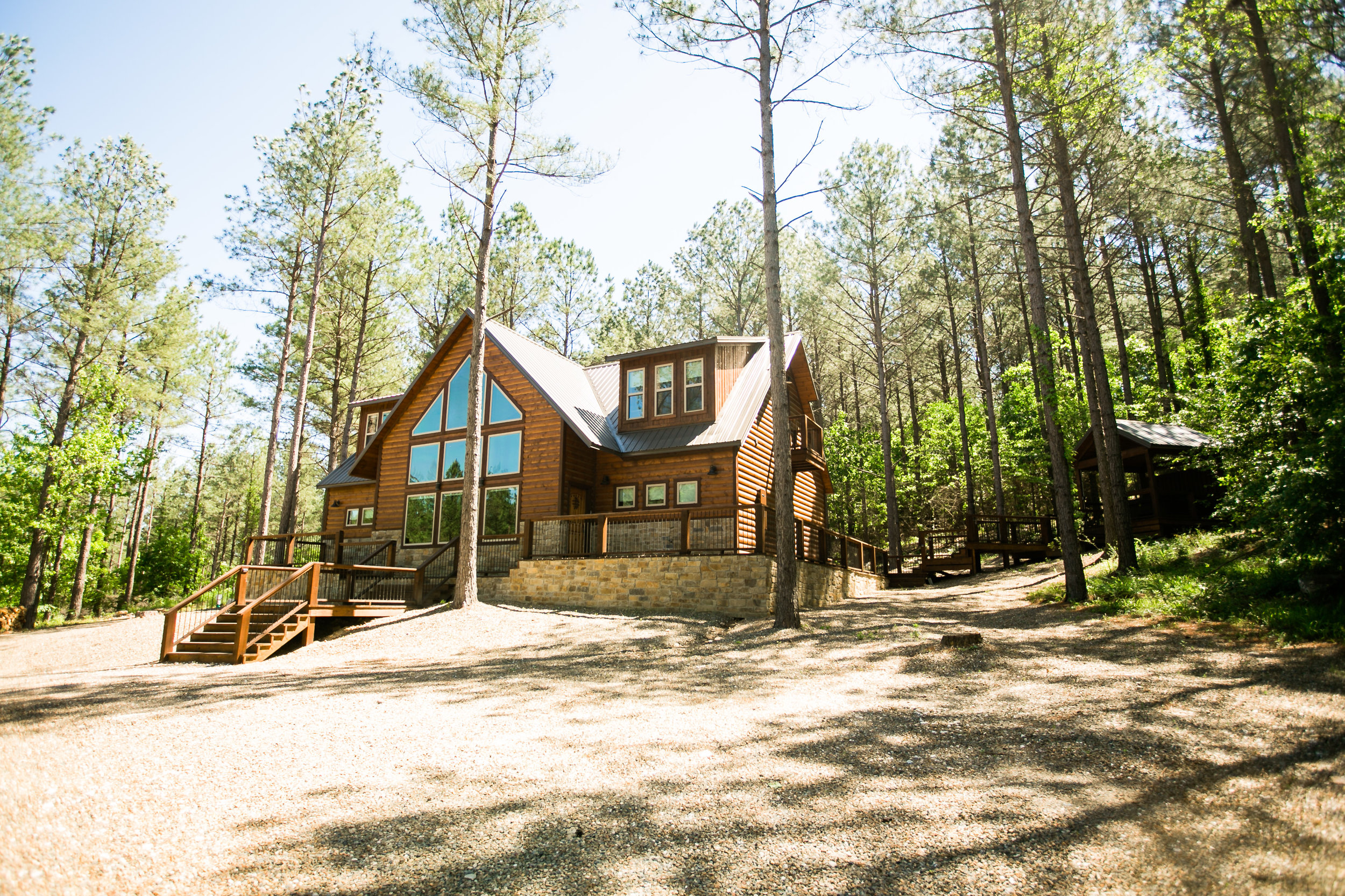 vacation spots driving distance of okc tulsa oklahoma city broken bow lake hochatown steven's gap luxury cabins hiking adventure awaits modern cabin rustic