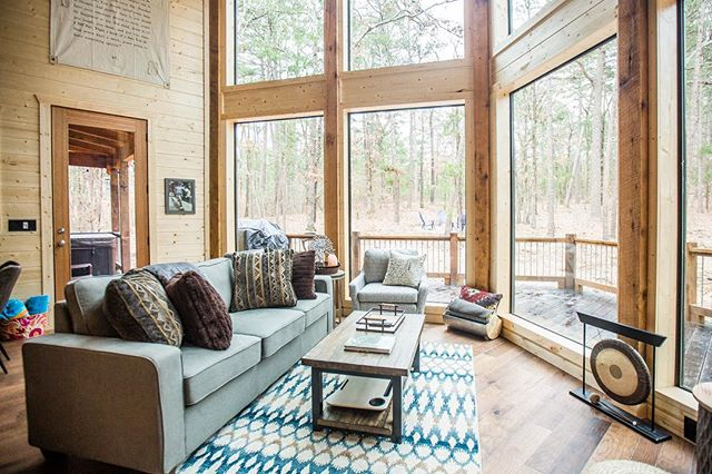 Our newest cabin - 1forest1 - is almost ready for guests! Squeeee! Are you as excited as we are?? 😱😀 #runforrestrun #cabins #hochatime #hochatown #southeasternoklahoma #mccurtaincounty #580 #luxurycabins #luxuryvacations