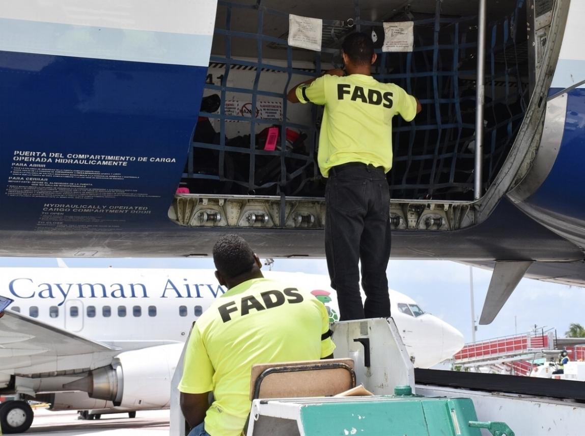 Plane-baggage-control---sh-ed---DSC_0452.jpg