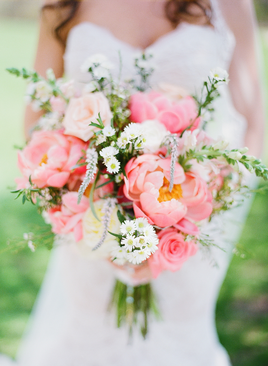 Photo by  Kay English Photography , via  Style Me Pretty