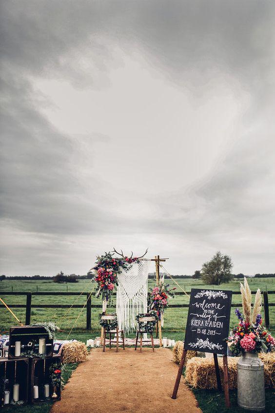Photo by  DARINA STODA , via My Wedding