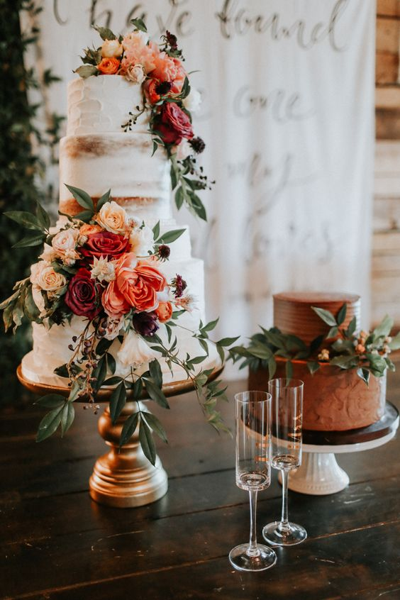 Photo by  Melissa Marshall  via,  Junebug Weddings