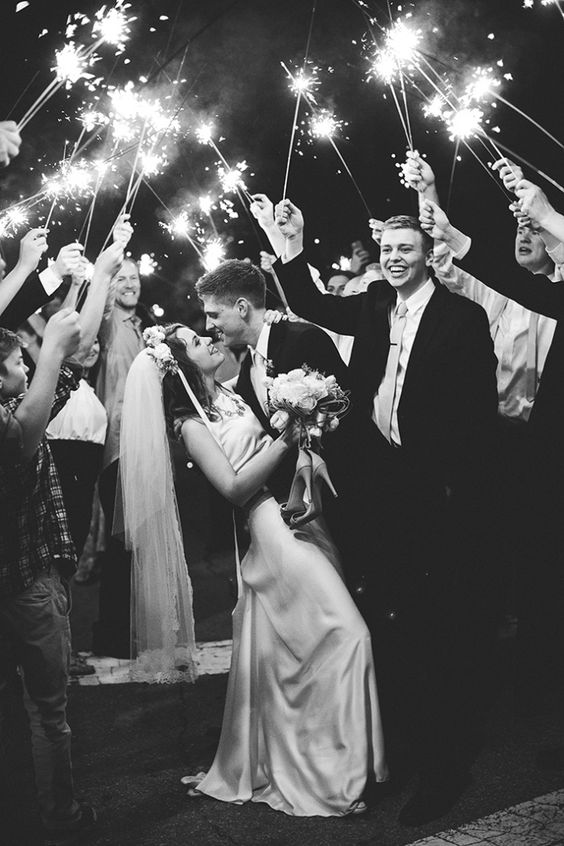 Photo by  Janelle Elise Photography , via  Wedding Party App