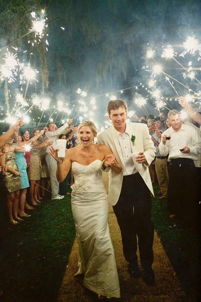 Photo by  Pure 7 Studios  via  Floridian Weddings