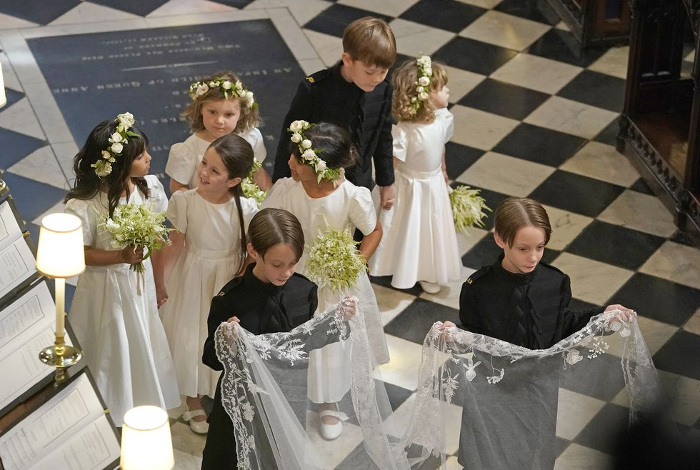 hbz-bridesmaids-pageboys-gettyimages-960132530-1526935116.jpg