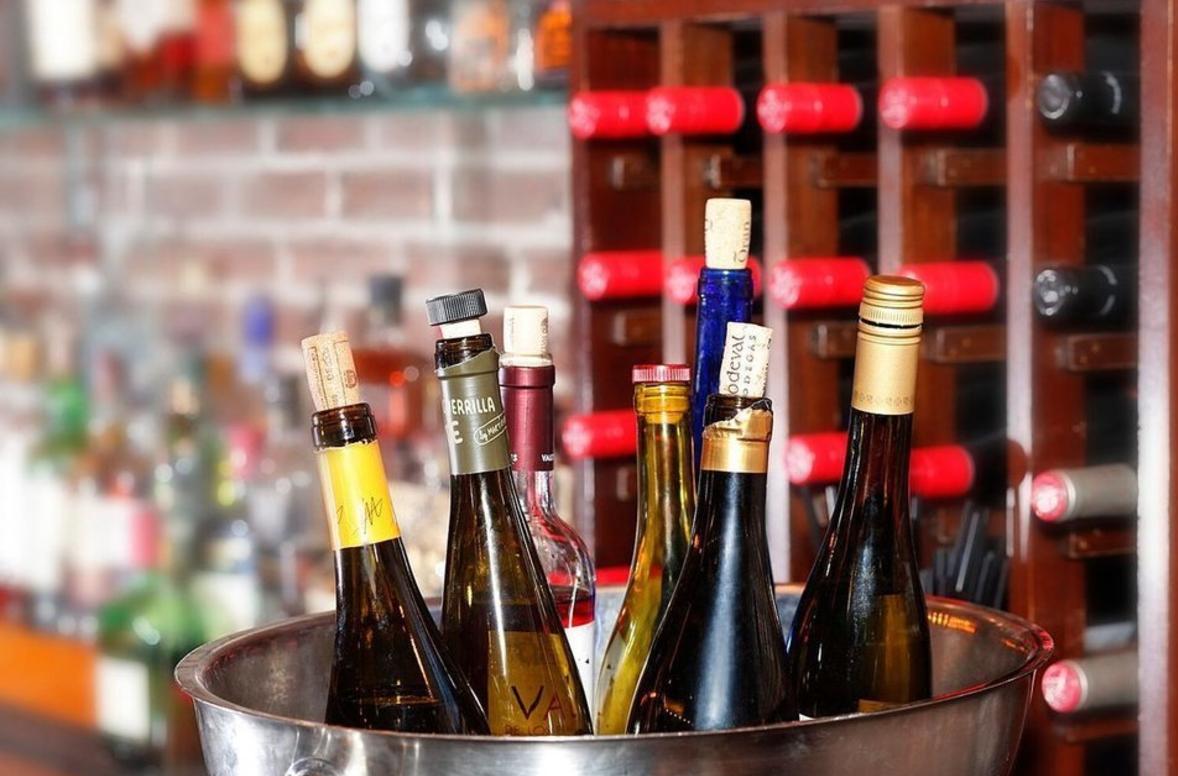 Vino, anyone? #newark
