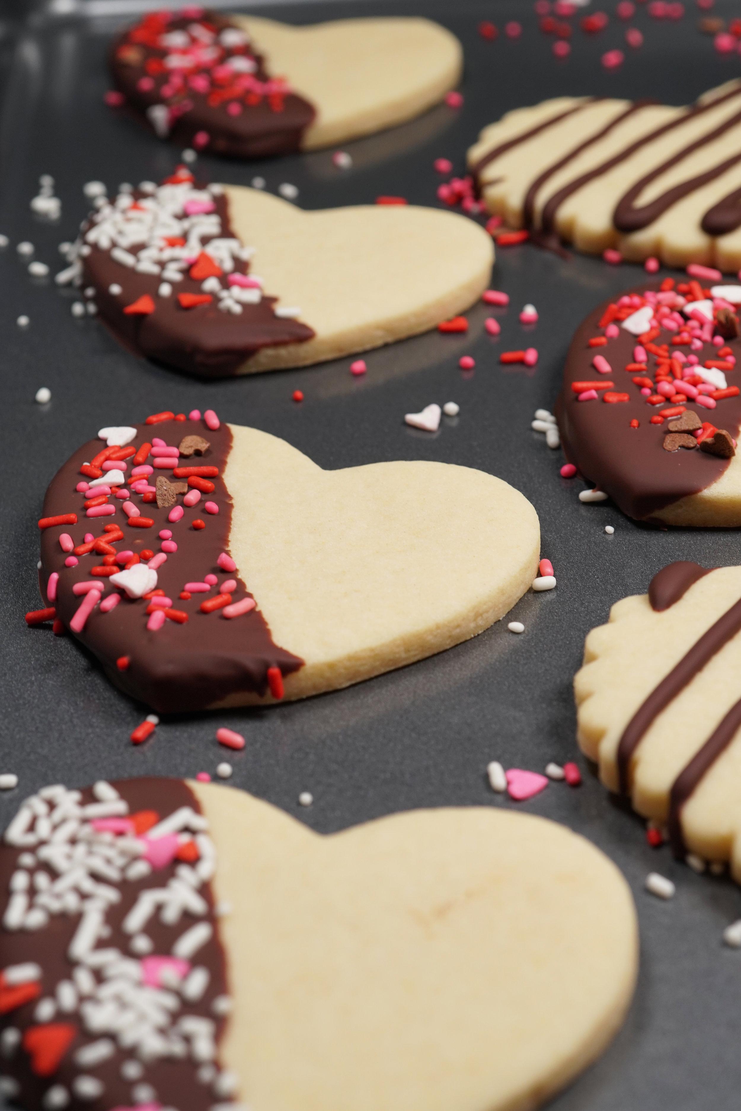 SoChatti Dipped Valentine Sugar Cookies with Sprinkles G.jpg