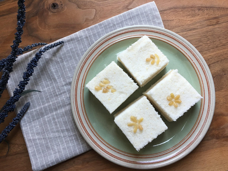 Baek-sul-gi with pine nuts