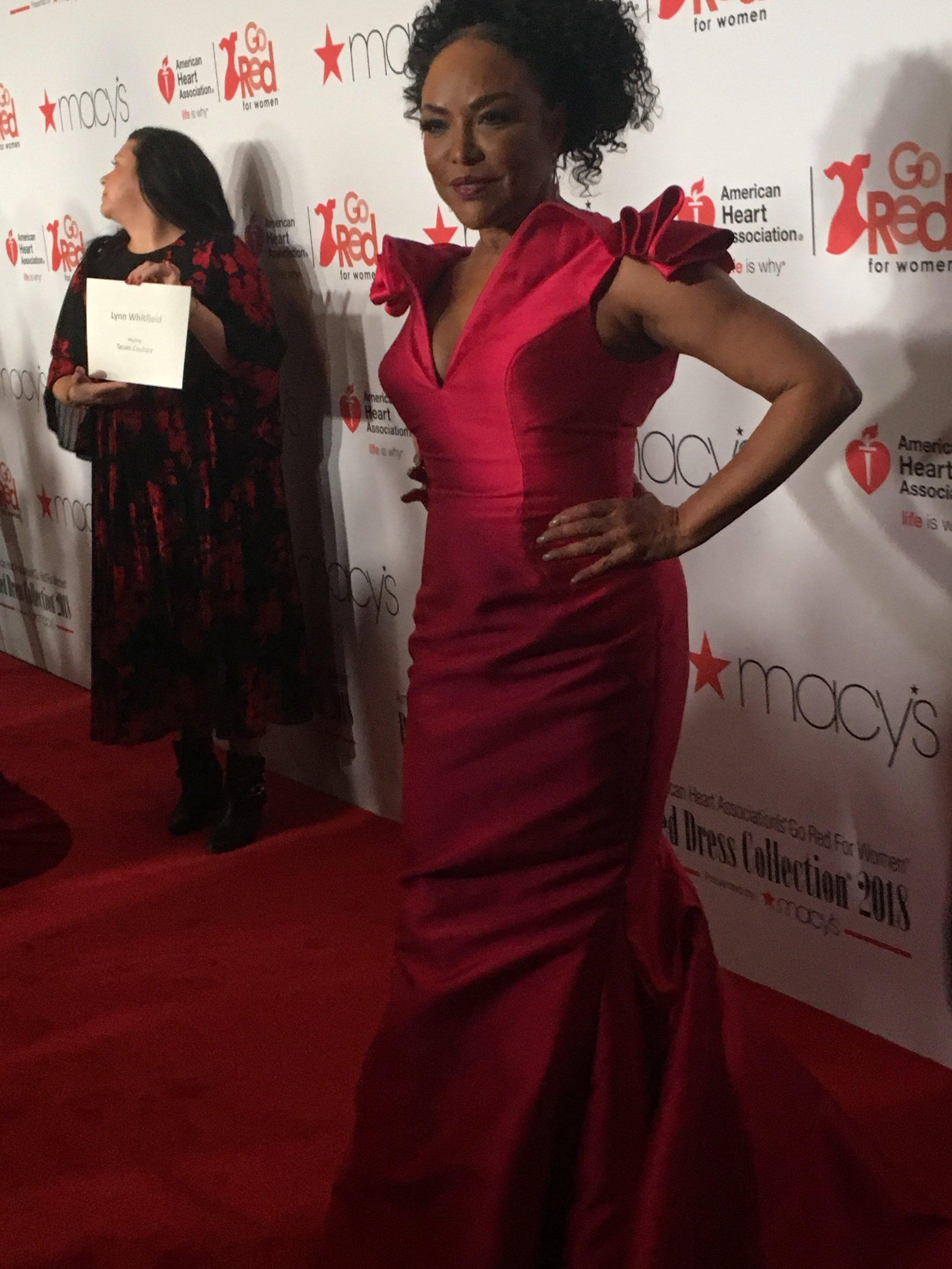 Lynn Whitfield on red carpet.JPG