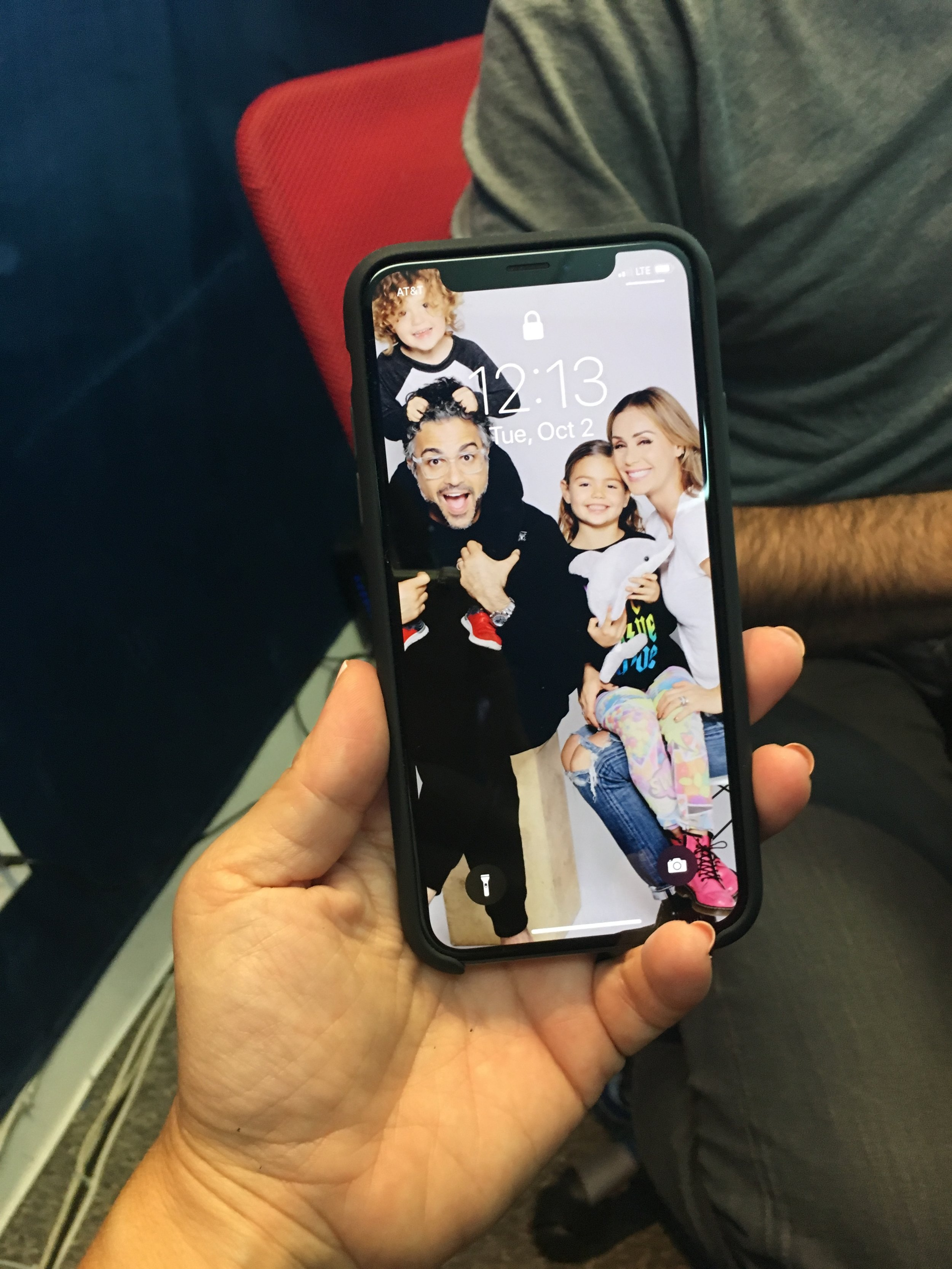 Jaime Camil's family photo on his phone