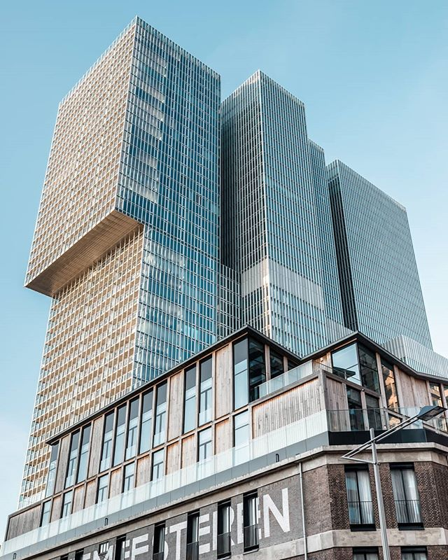 Tremendous towers. • • • #gestaltes #rotterdam
