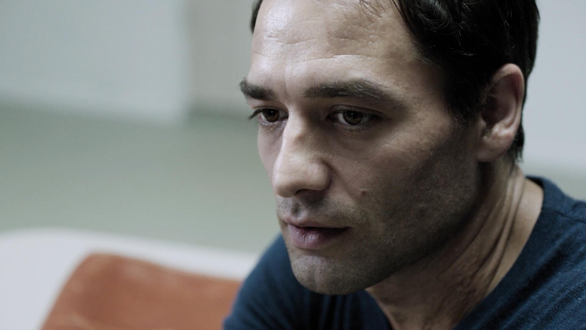 Dragan Bakema als Advocaat Raboud Krom in Duivelse Dilemma's: Het Laatste Verhoor