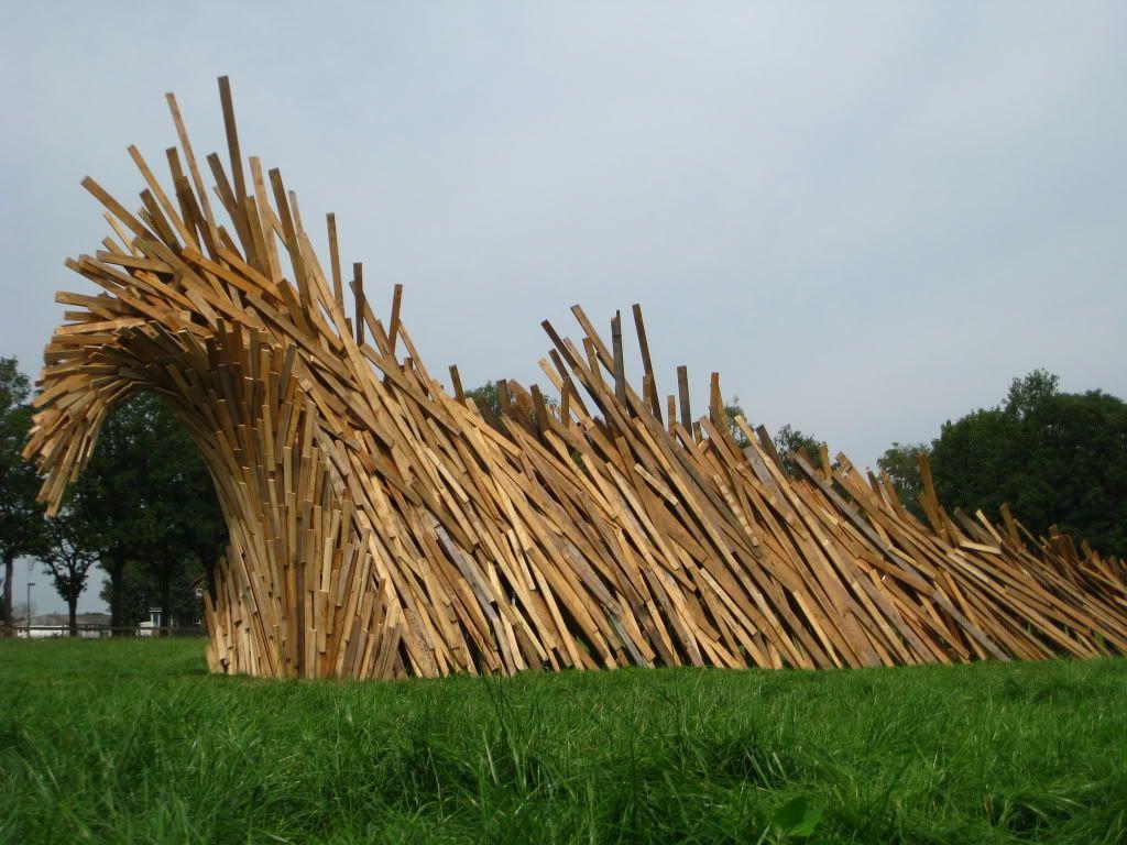 'De Golf' van kunstenaar Dirk Verberne. Tentoongesteld op de boerderij van de familie Leenders.