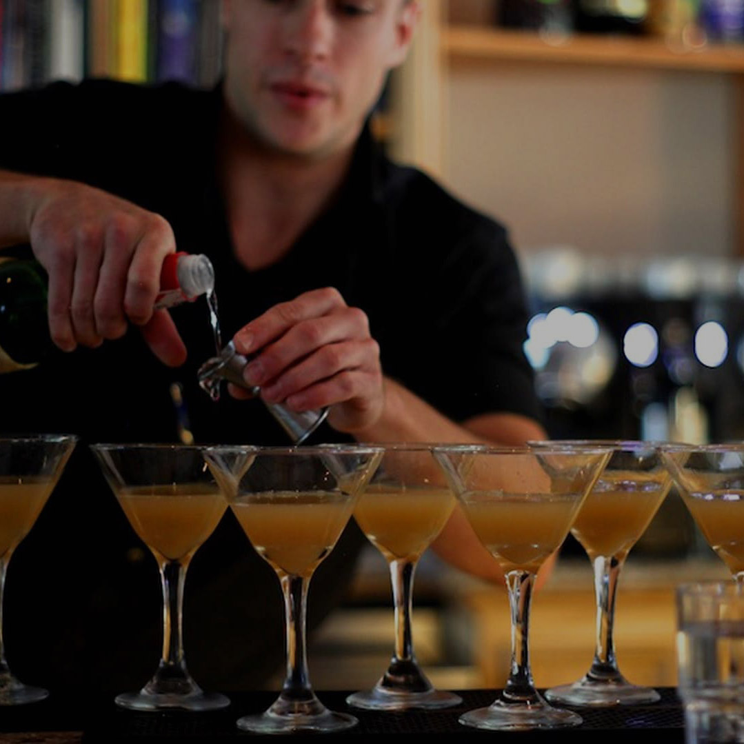 Bar. -