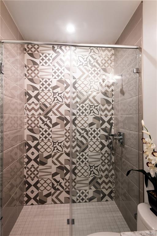 2921 Laurel Ave - bathroom 8.jpeg