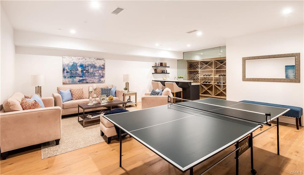 2921 Laurel Ave - ping pong table.jpeg