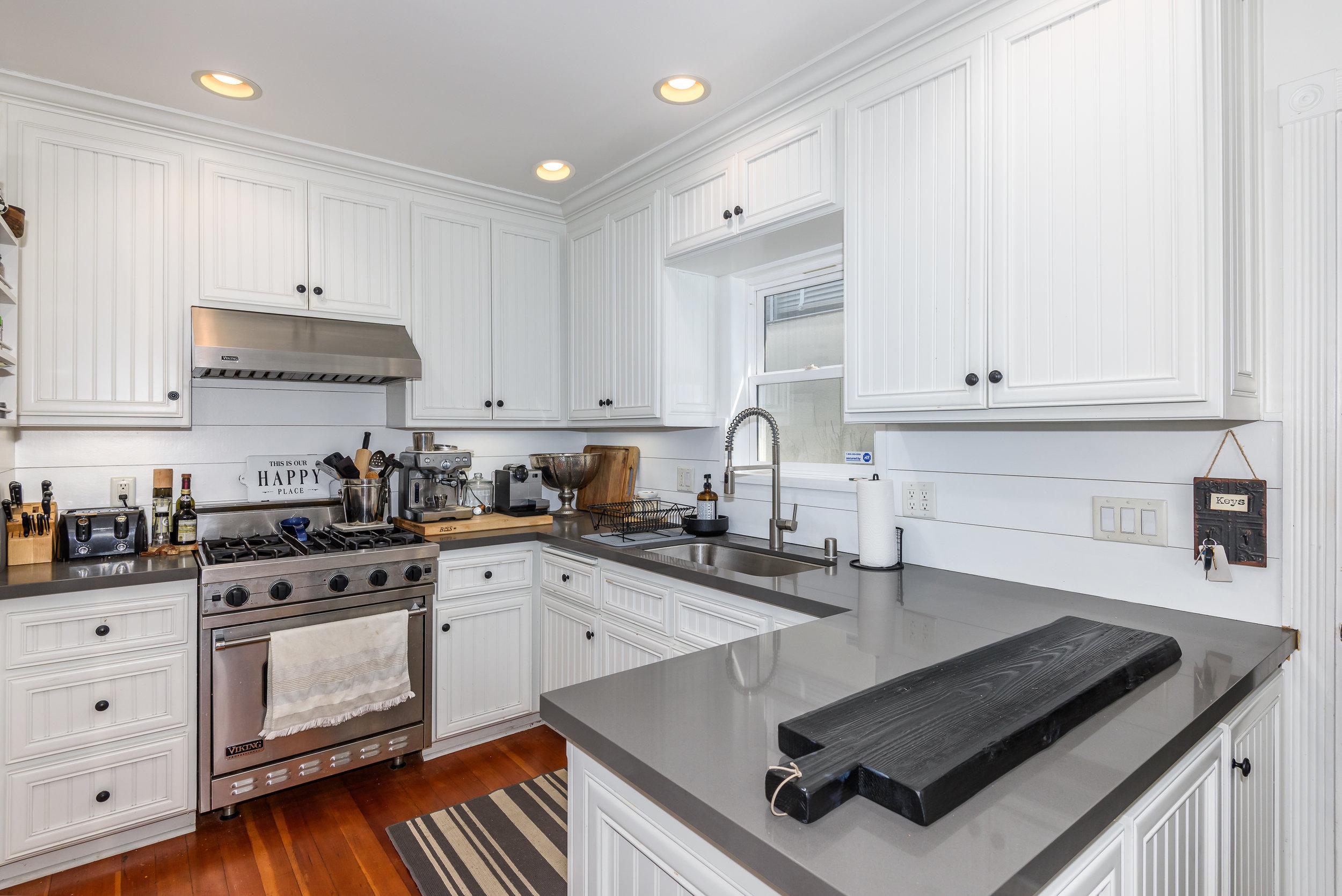 Kitchen-8 (1).jpg