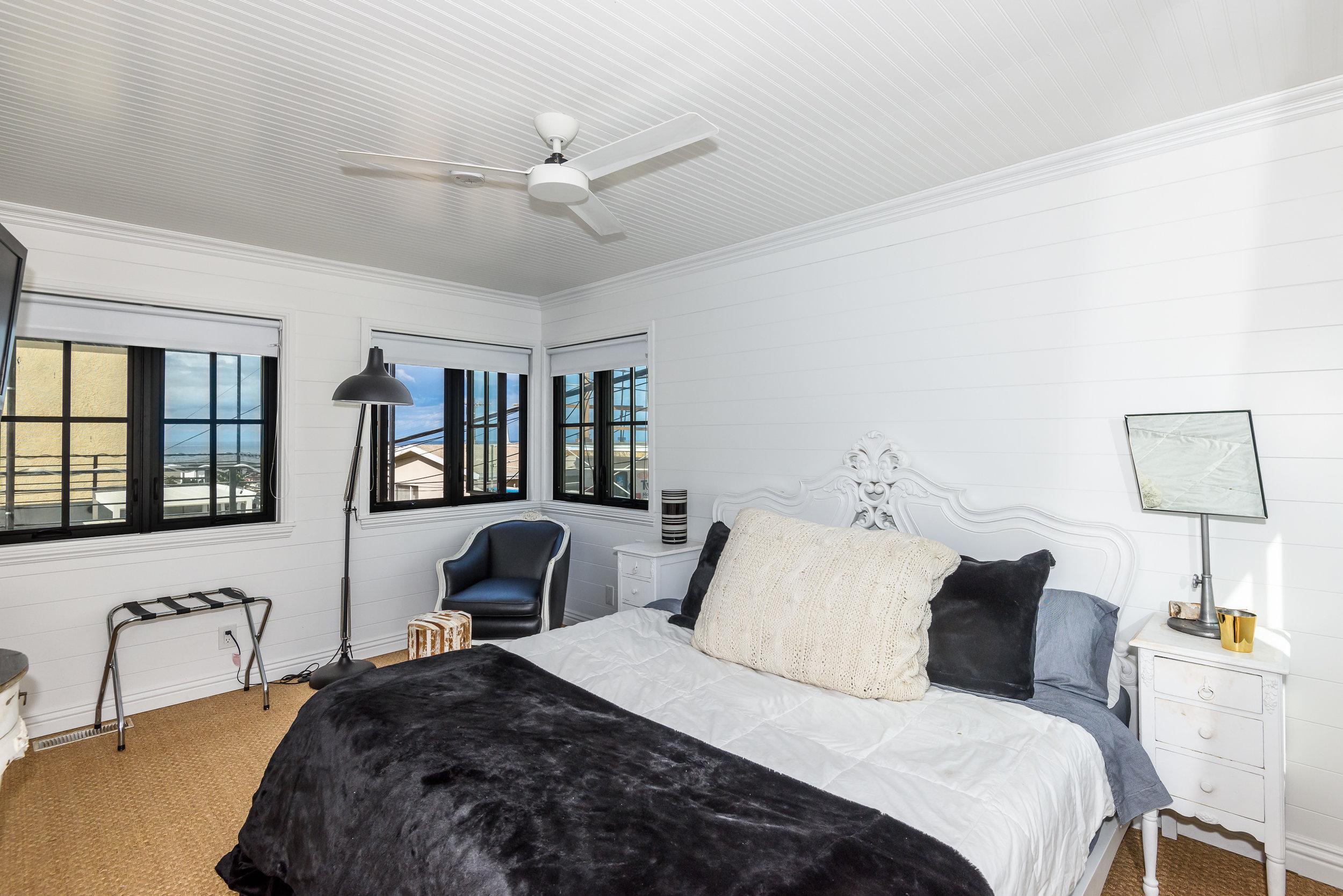 Master Bedroom-13 (1).jpg