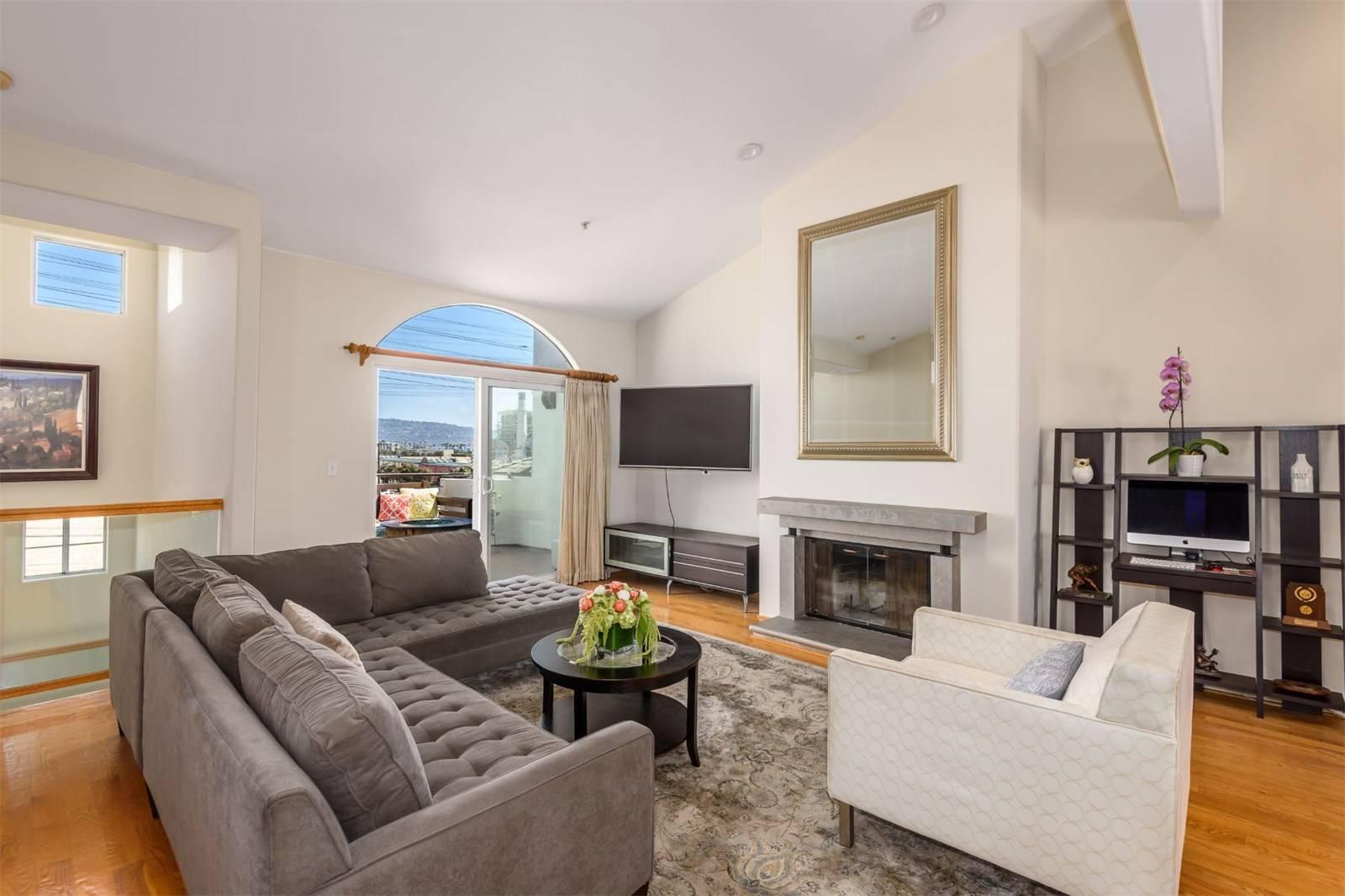 540 1st Street  - living room 2.jpeg