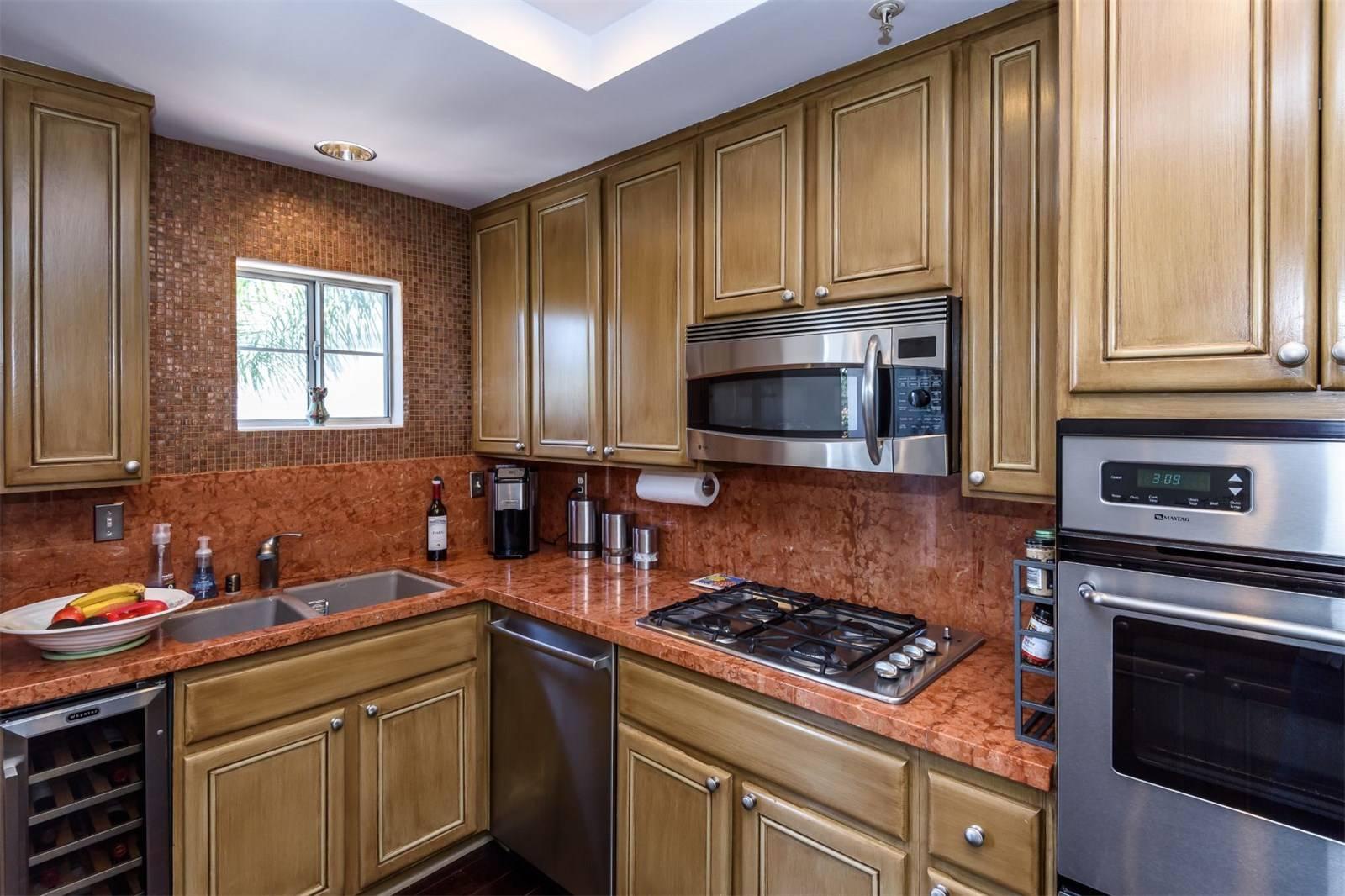 540 1st Street  - kitchen 2.jpeg