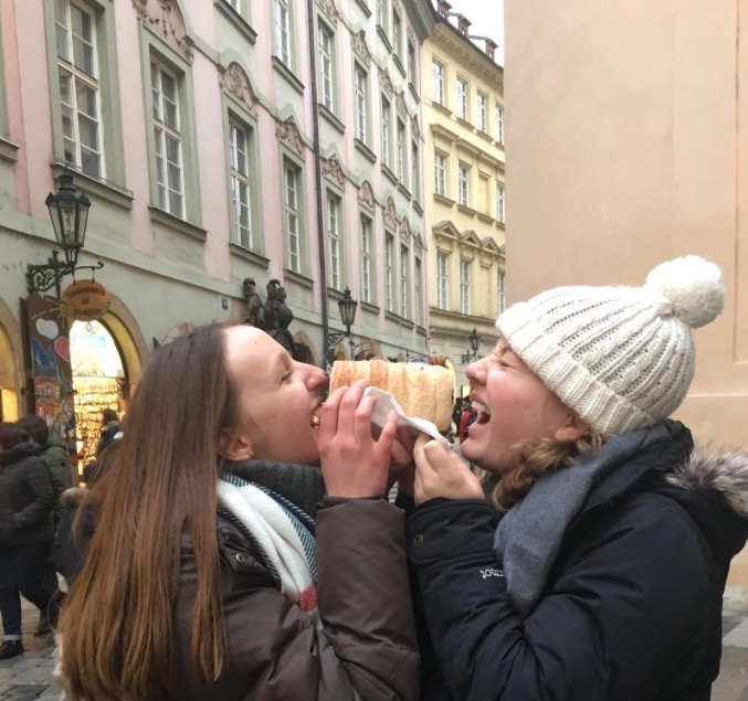 Channelling  Lady & the Tramp  in Prague.