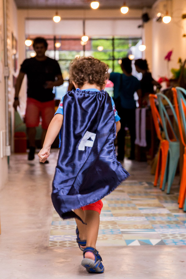 crianca_brincando_festa_infantil_sapoti.jpg