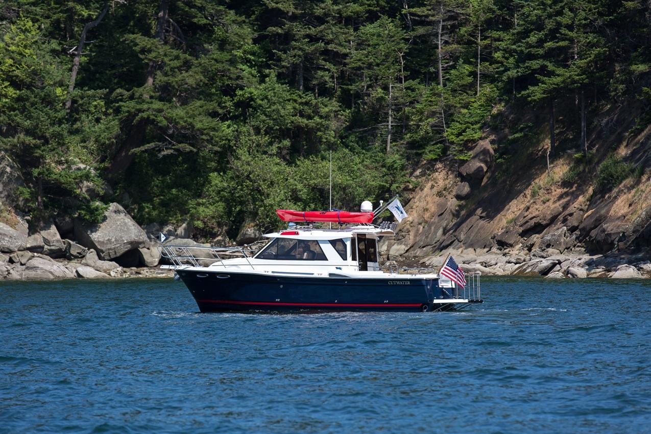 Cutwater-Boats-C-28-8-vsm-850--N.jpg