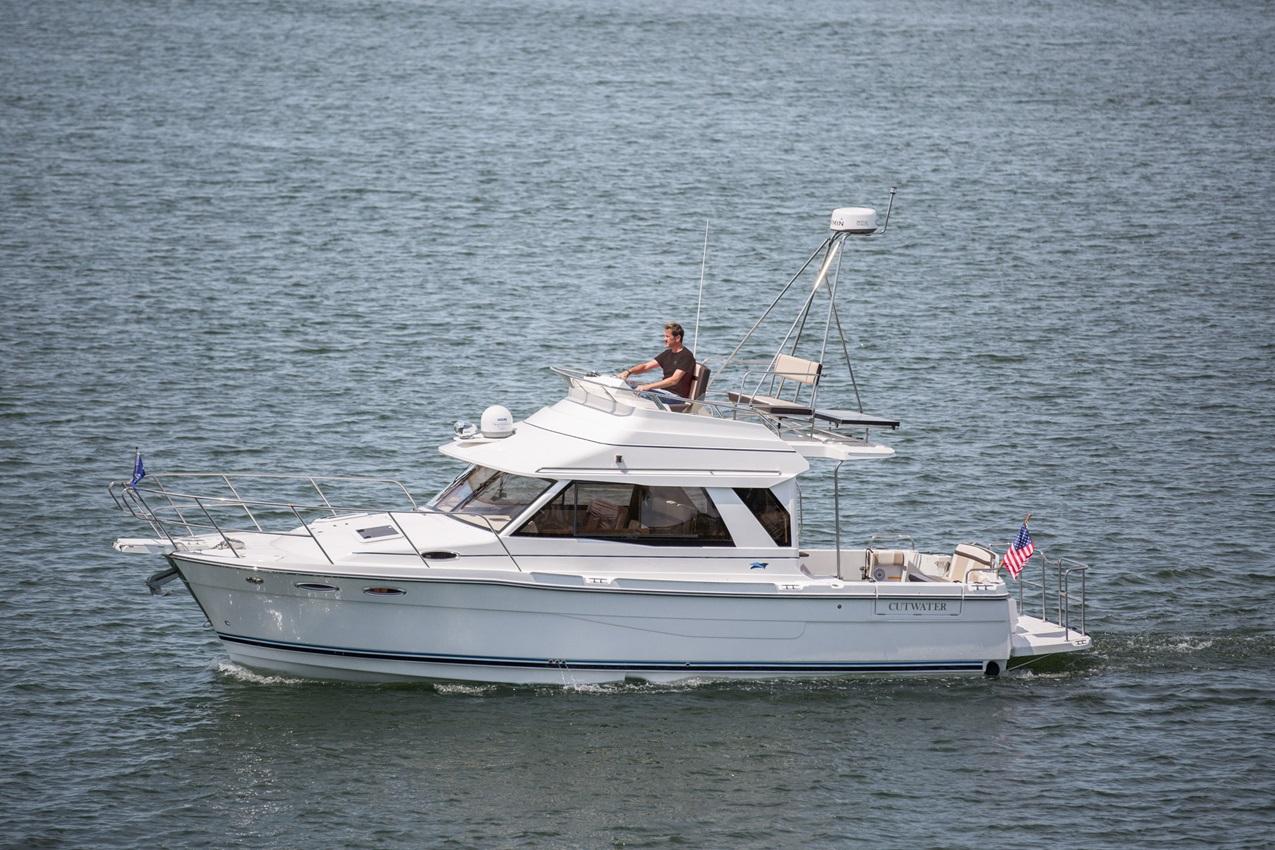 Cutwater-Boats-C-30-CB1-vsm-850--N.jpg