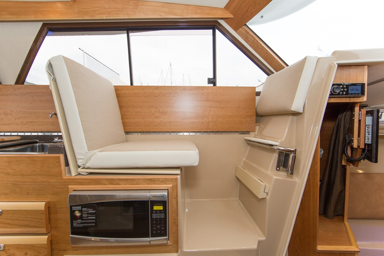 Cutwater-Boats-C-306-vsm-850--N.jpg