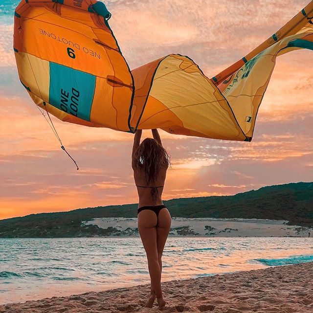 Hello September  Winds by @_mercedesgarcia_  @duotone.kiteboarding 📸 @julien_leleu