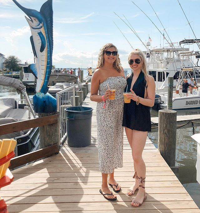 @meganquist had so much fun last year, she couldn't stay away 😏 Super excited to have her down for a long weekend and show her why I'm so obsessed with @white_marlin_open 😂🎣 Help us figure out what to do till then LOL, where's your guys fave places to hang out in OC?! (missing you @steph_mala. 💗) || Jumpsuit is linked and runs a little snug, but pretty TTS. Also linked a few similar ones here —  http://liketk.it/2DUGC