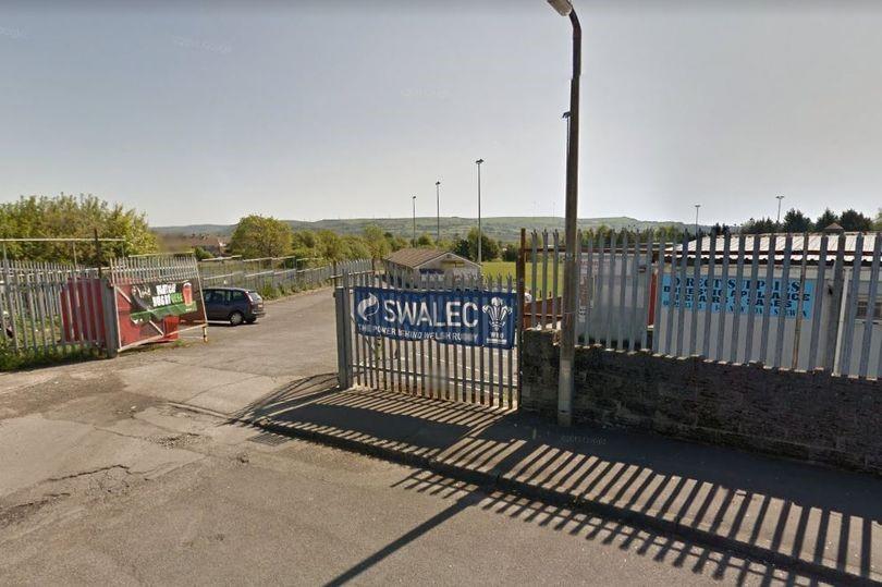 Figure 1- Morriston RFC in Heol Gwernen, Swansea http://www.newslocker.com/en-uk/region/wales/a-big-sinkhole-has-opened-up-near-the-touchline-of-a-welsh-rugby-pitch/view/