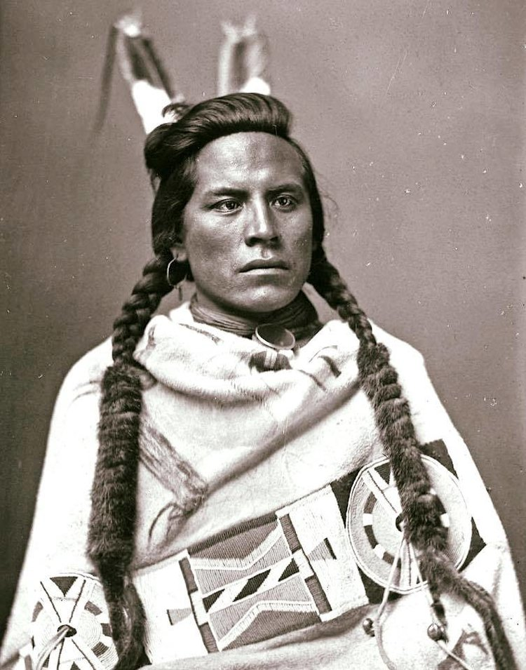 Curley Crow, 1883