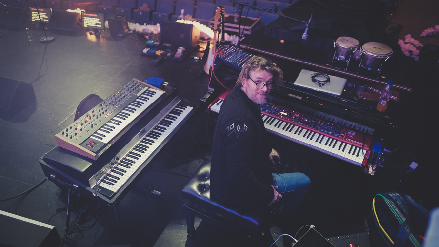 Keyboard master Eyþór in his mothership.