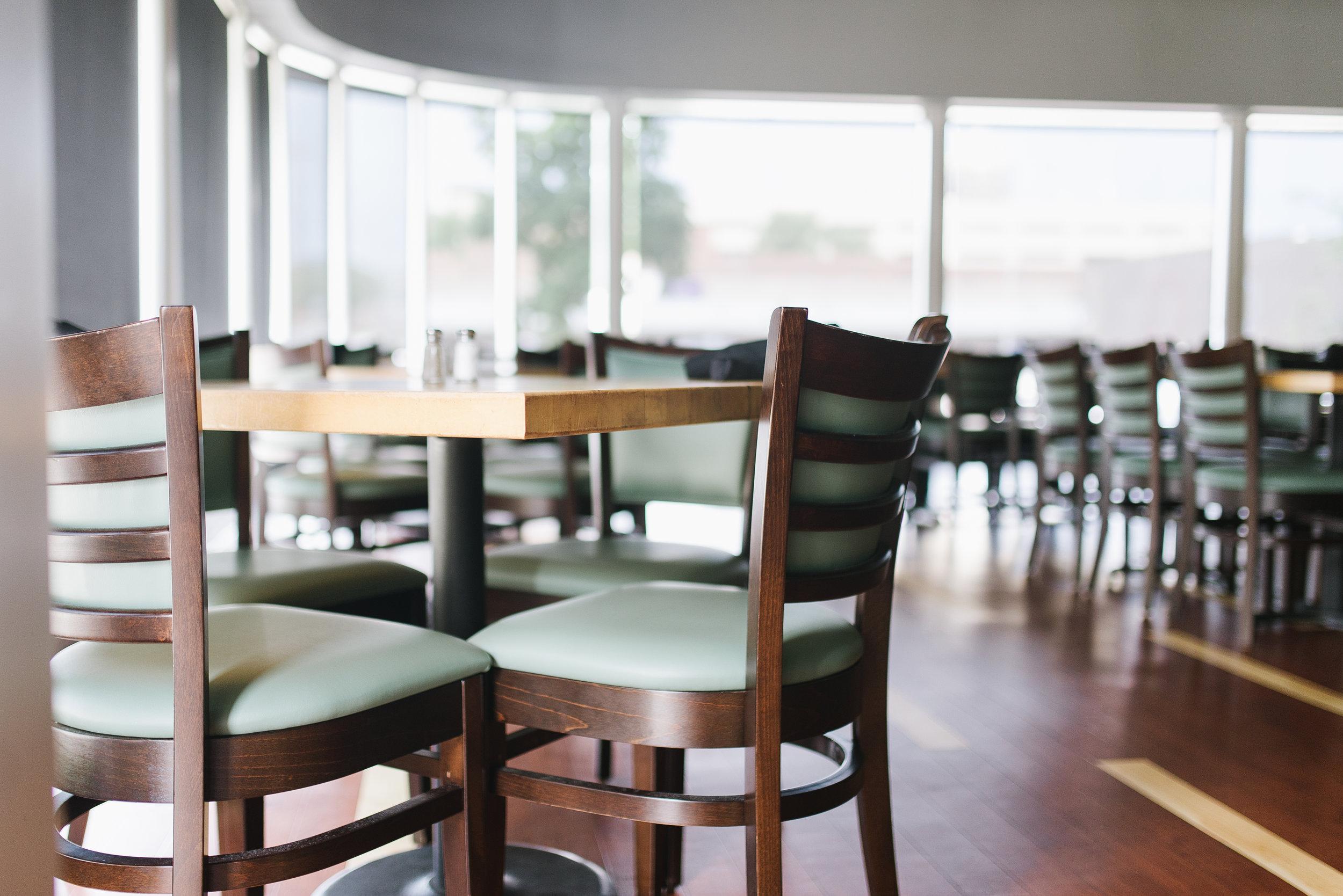 Alba Des Moines, Iowa Restaurant Table 2